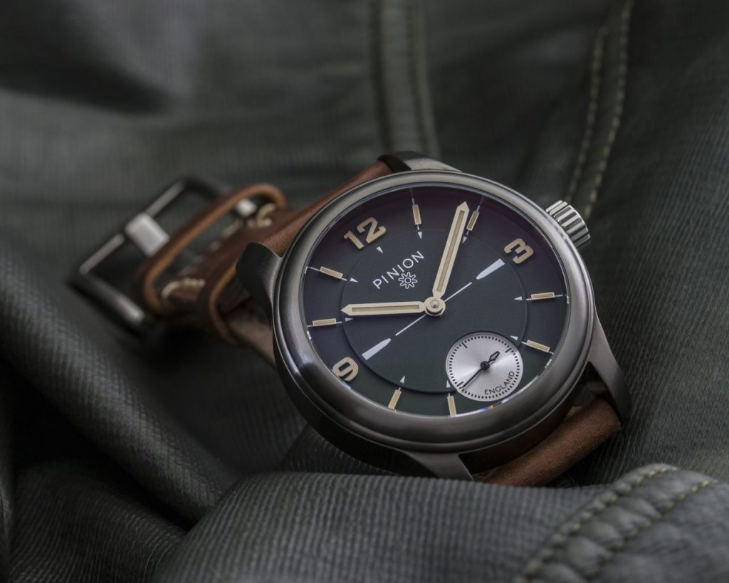 Pinion Pure GG Hand wound watch
