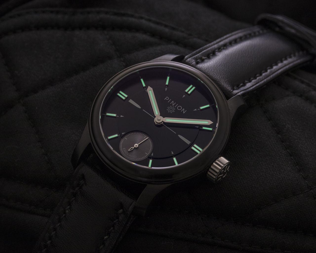 Pinion Pure Pro Black watch