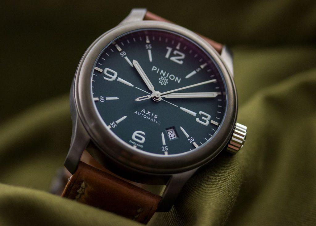 Pinion Axis II GG watch