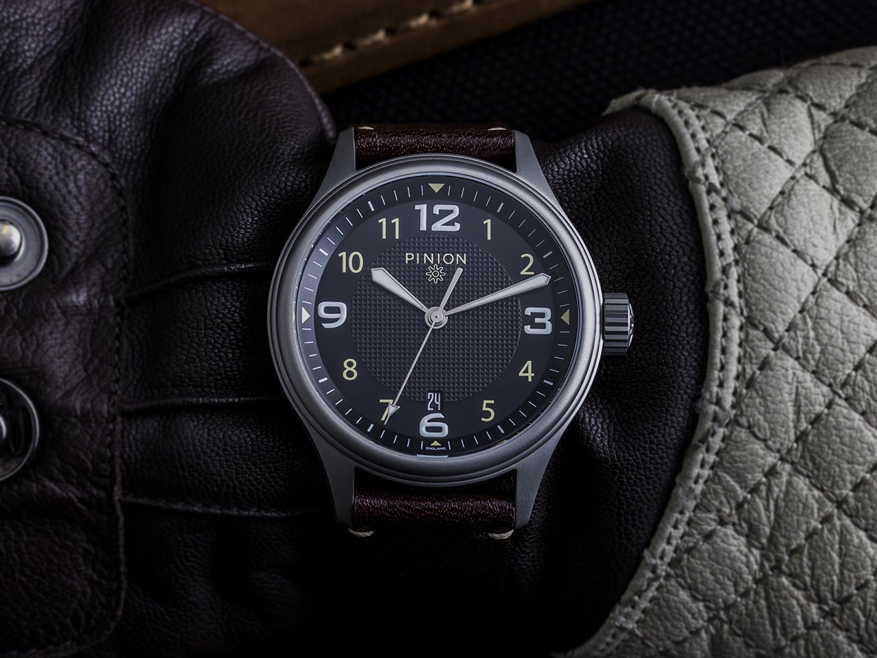 Pinion Atom watch
