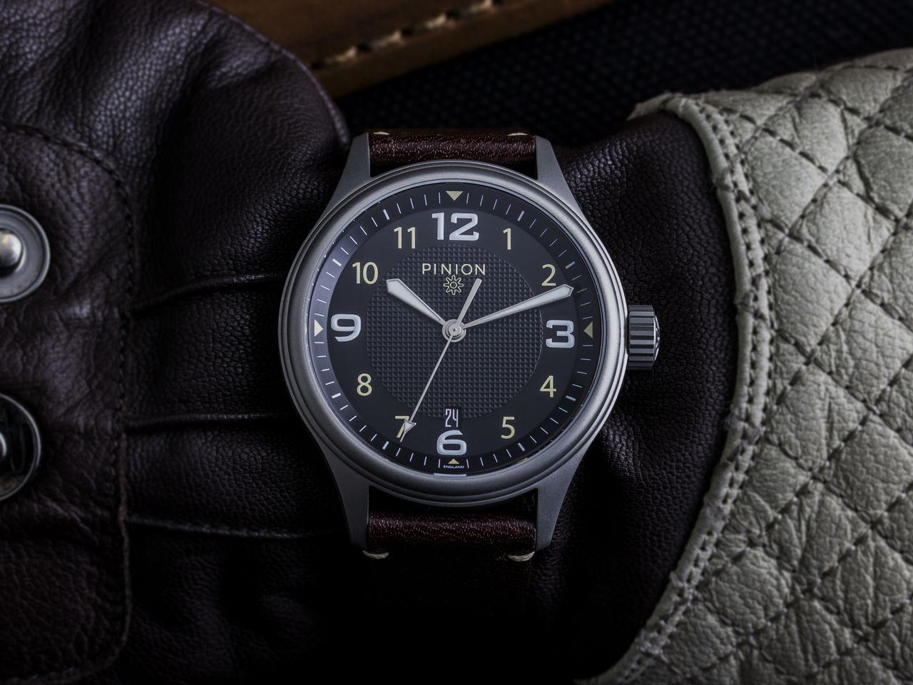 Pinion Atom V1 watch
