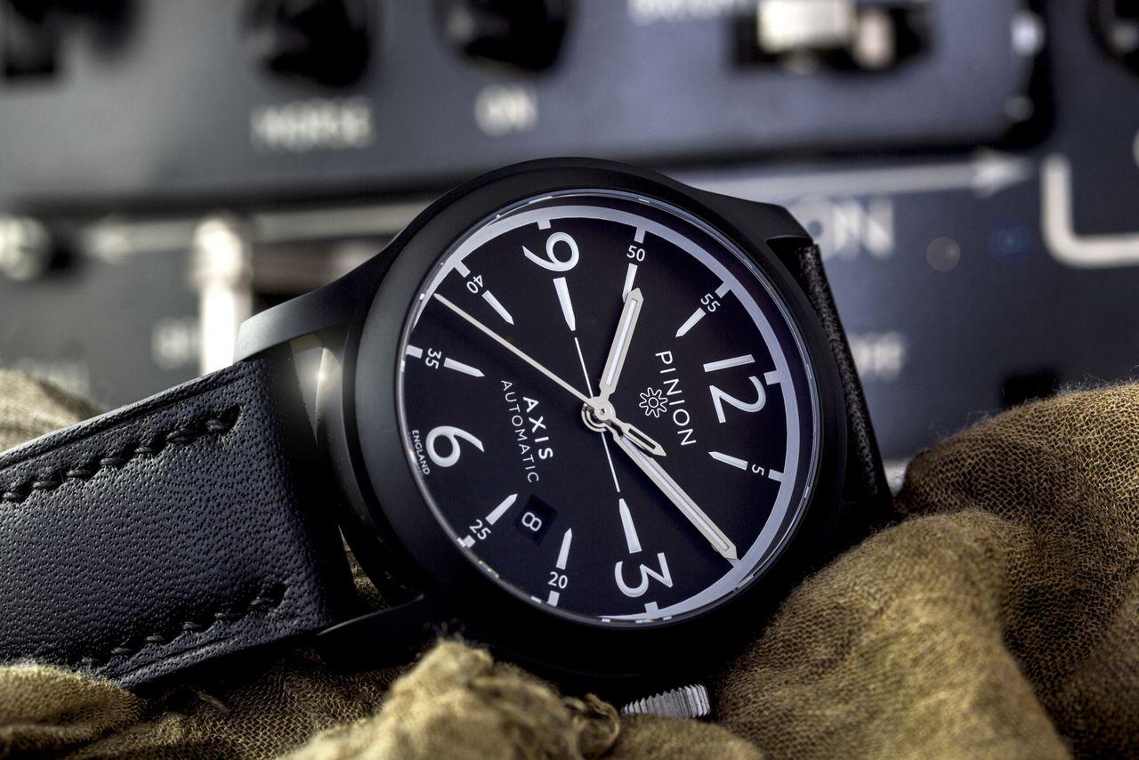 Pinion Axis Black watch