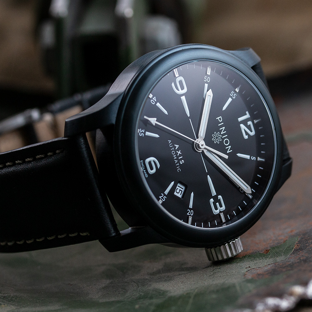 pinion-axis-ii-black-dlc-watch-001-1-1