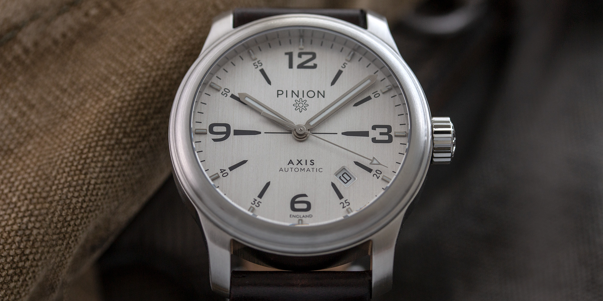 pinion-axis-ii-steel-silver-watch-002