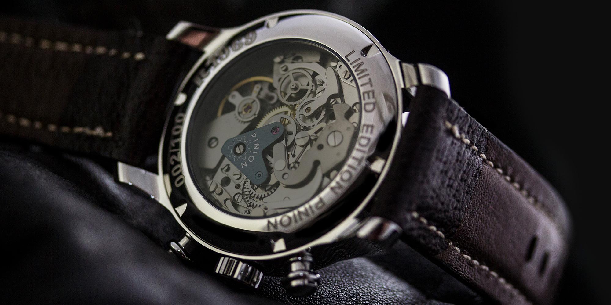 pinion-r1969-chronograph-valjoux-7734-caseback