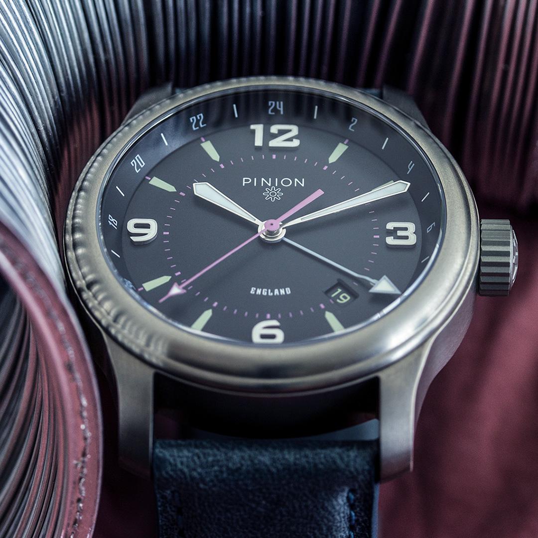 pinion-tt-anthracite-titanium-gmt-watch-hero-1-1