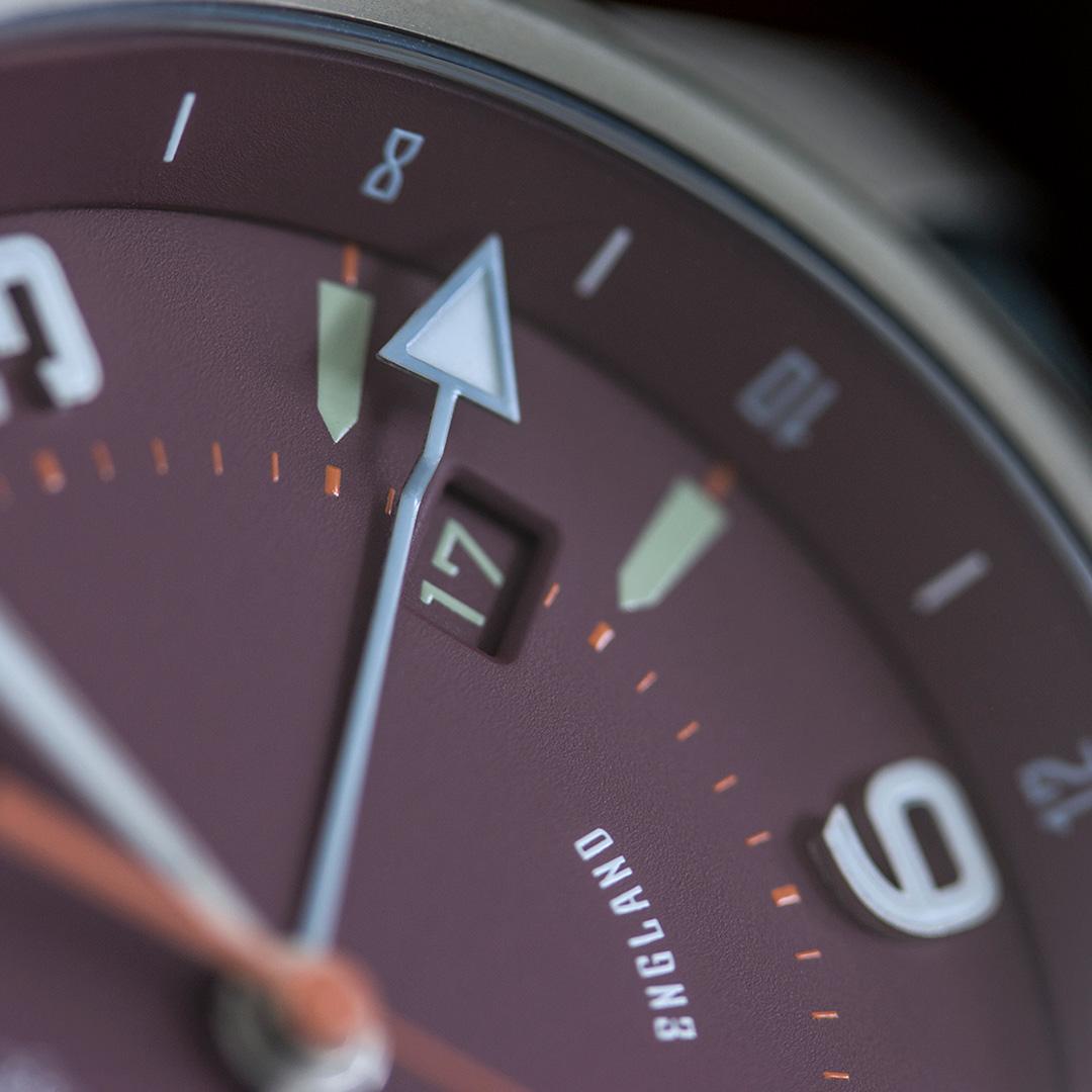 pinion-tt-maroon-titanium-gmt-watch-detail-1-1