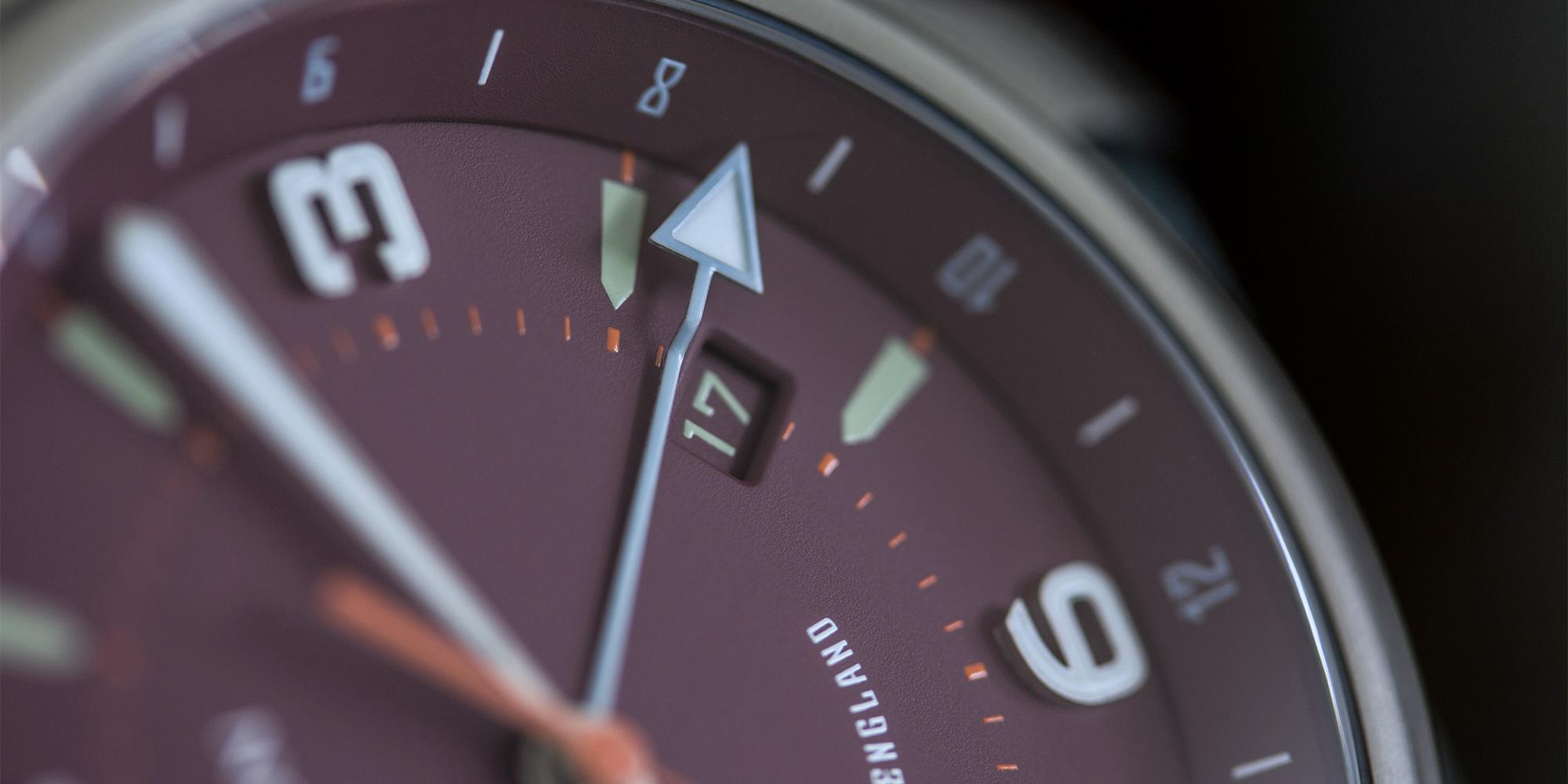 pinion-tt-maroon-titanium-gmt-watch-detail