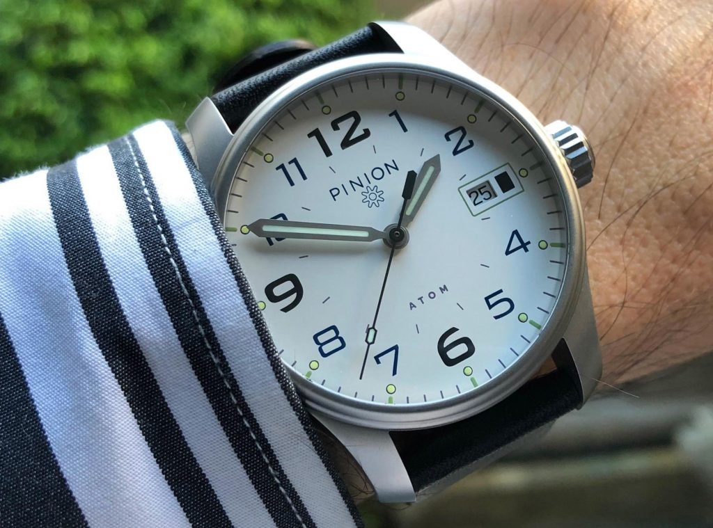 Pinion Atom 39 on the wrist
