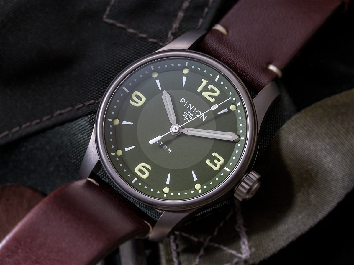 Pinion Atom 39 ND Green dial watch