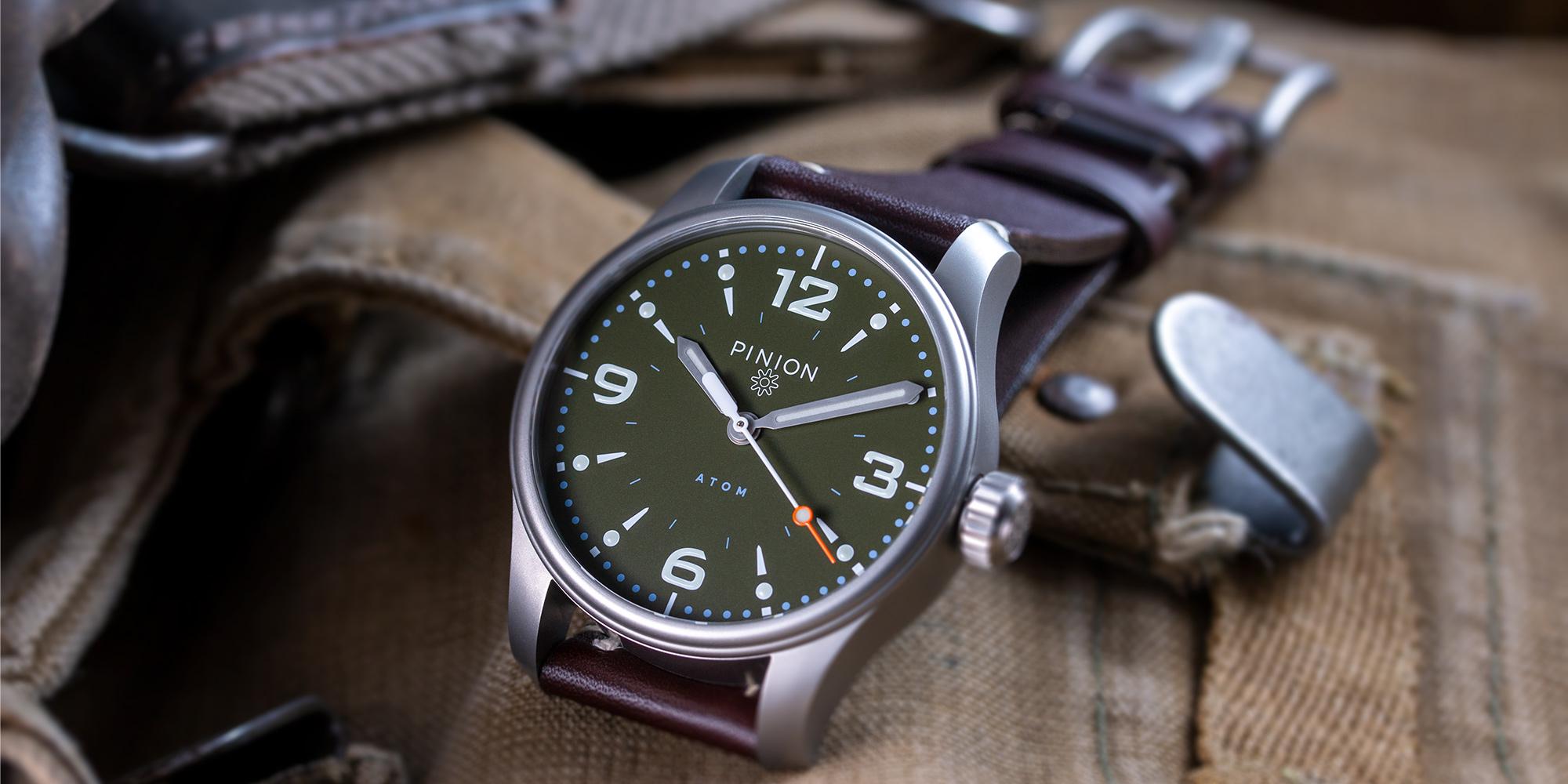 Pinion-Atom-39-no-date-watch-hunter-green-002-a