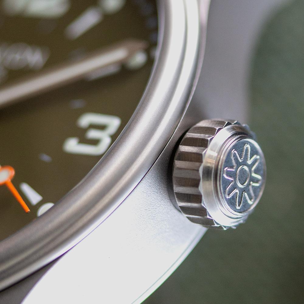 Pinion-Atom-39-no-date-watch-hunter-green-008-m