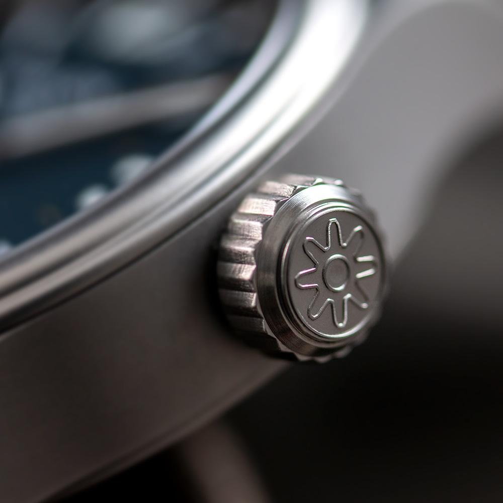 Pinion-Atom-39-no-date-watch-oxford-blue-006-m