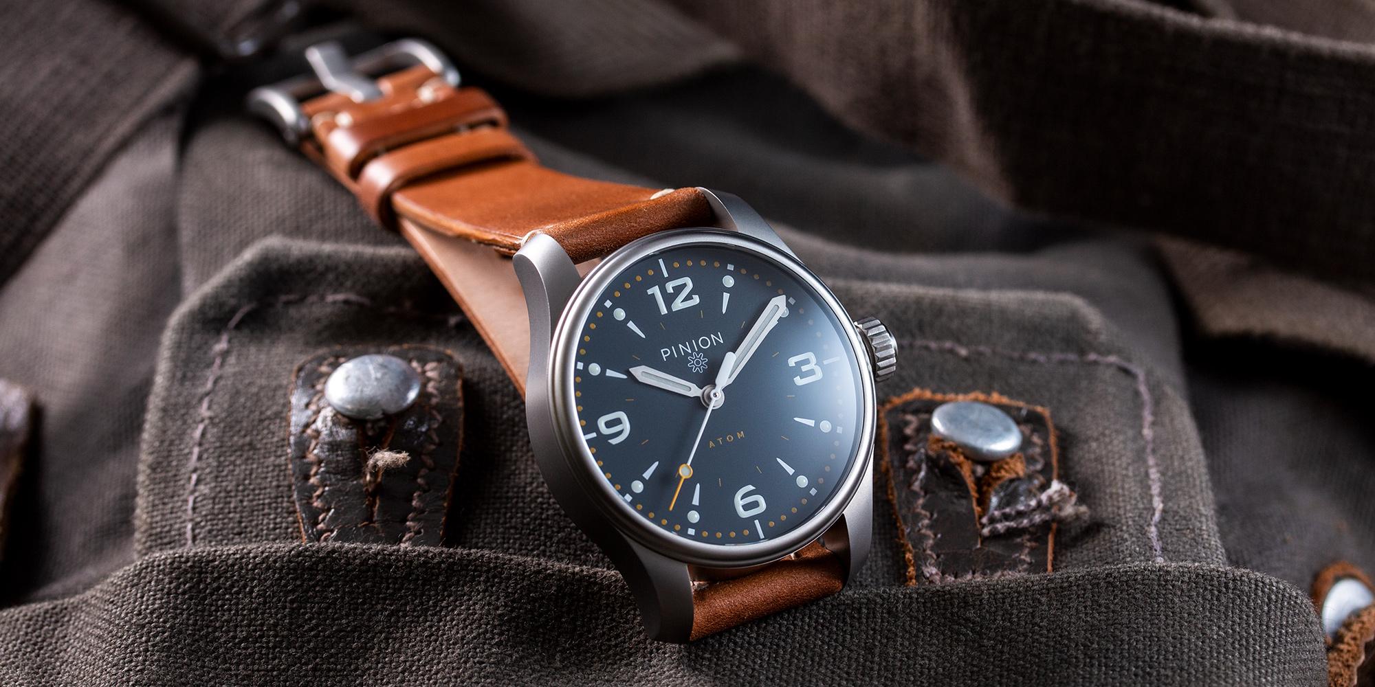 Pinion-Atom-39-no-date-watch-oxford-blue-011-a
