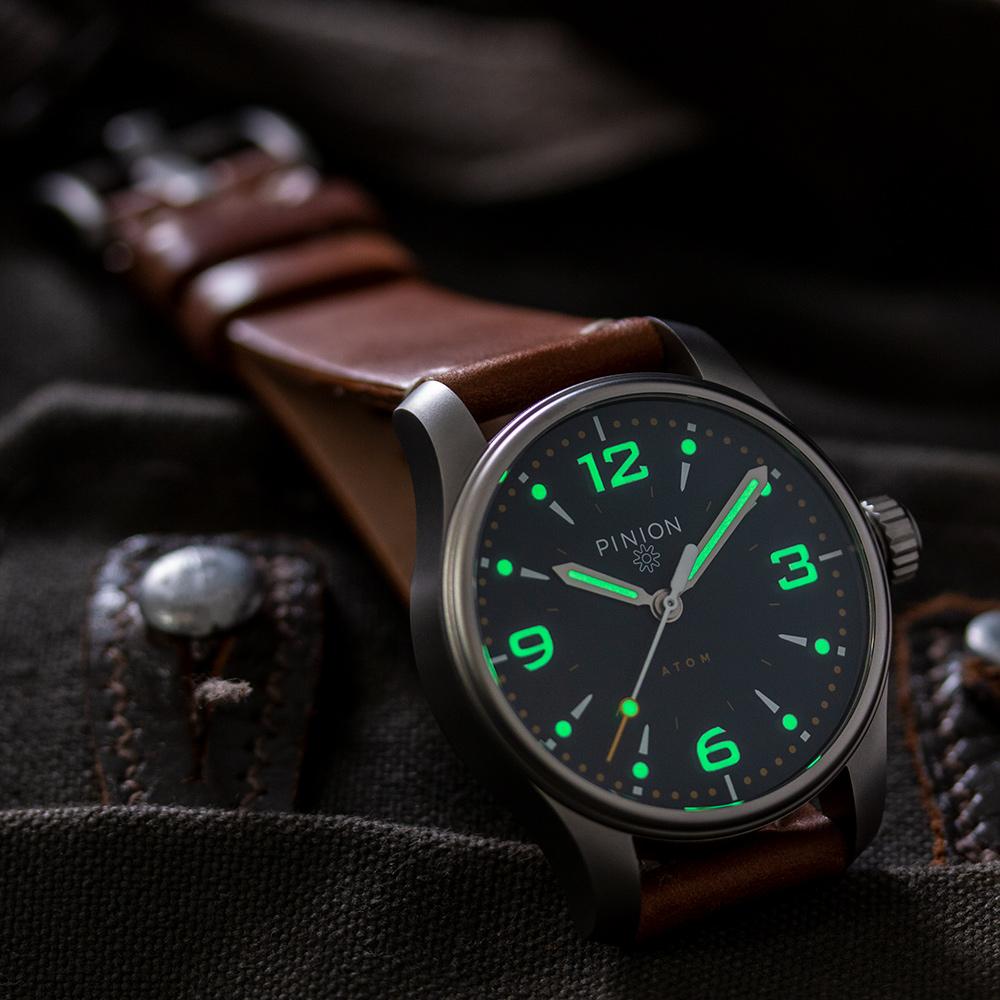 Pinion-Atom-39-no-date-watch-oxford-blue-011-b-m