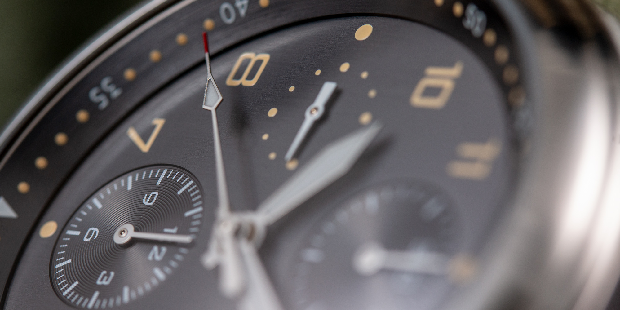 pinion-elapse-chronograph-anthracite-dial-watch-002