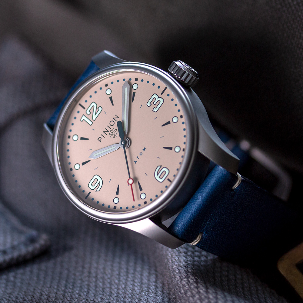 Pinion-Atom-39-no-date-watch-pale-slate-007-a-m