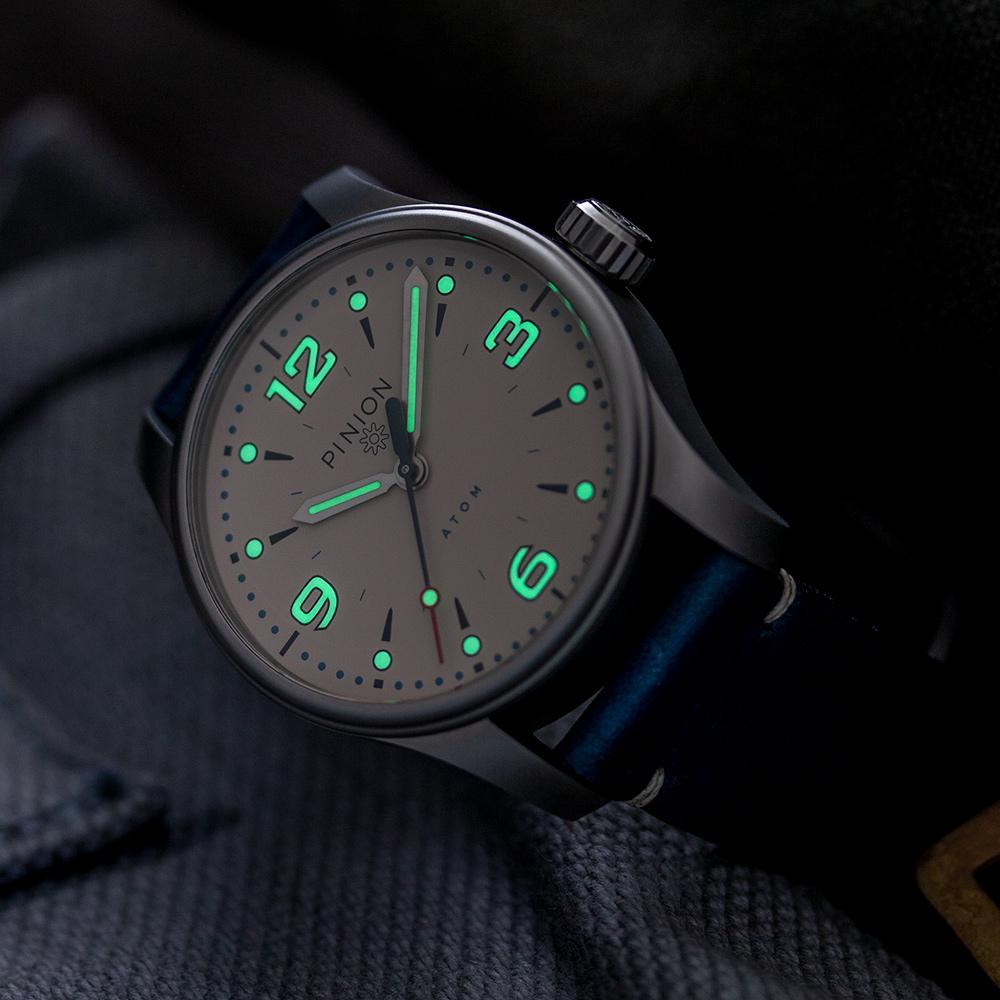 Pinion-Atom-39-no-date-watch-pale-slate-007-b-m