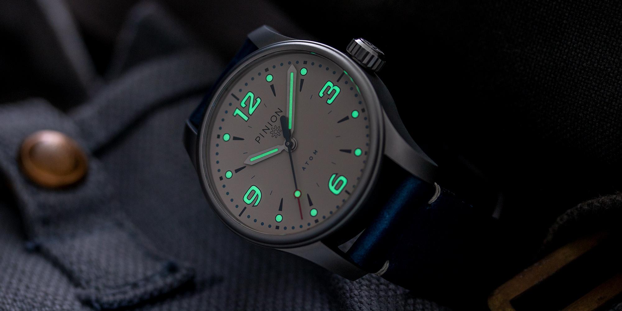 Pinion-Atom-39-no-date-watch-pale-slate-007-b