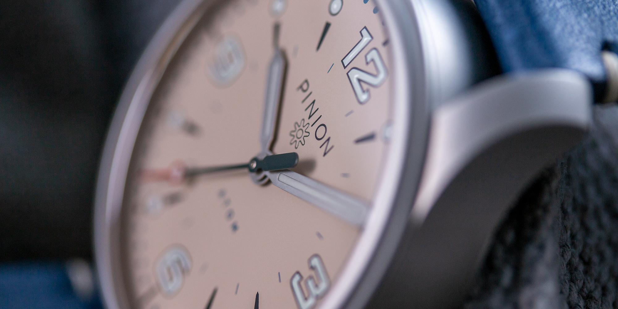 Pinion-Atom-39-no-date-watch-pale-slate-009