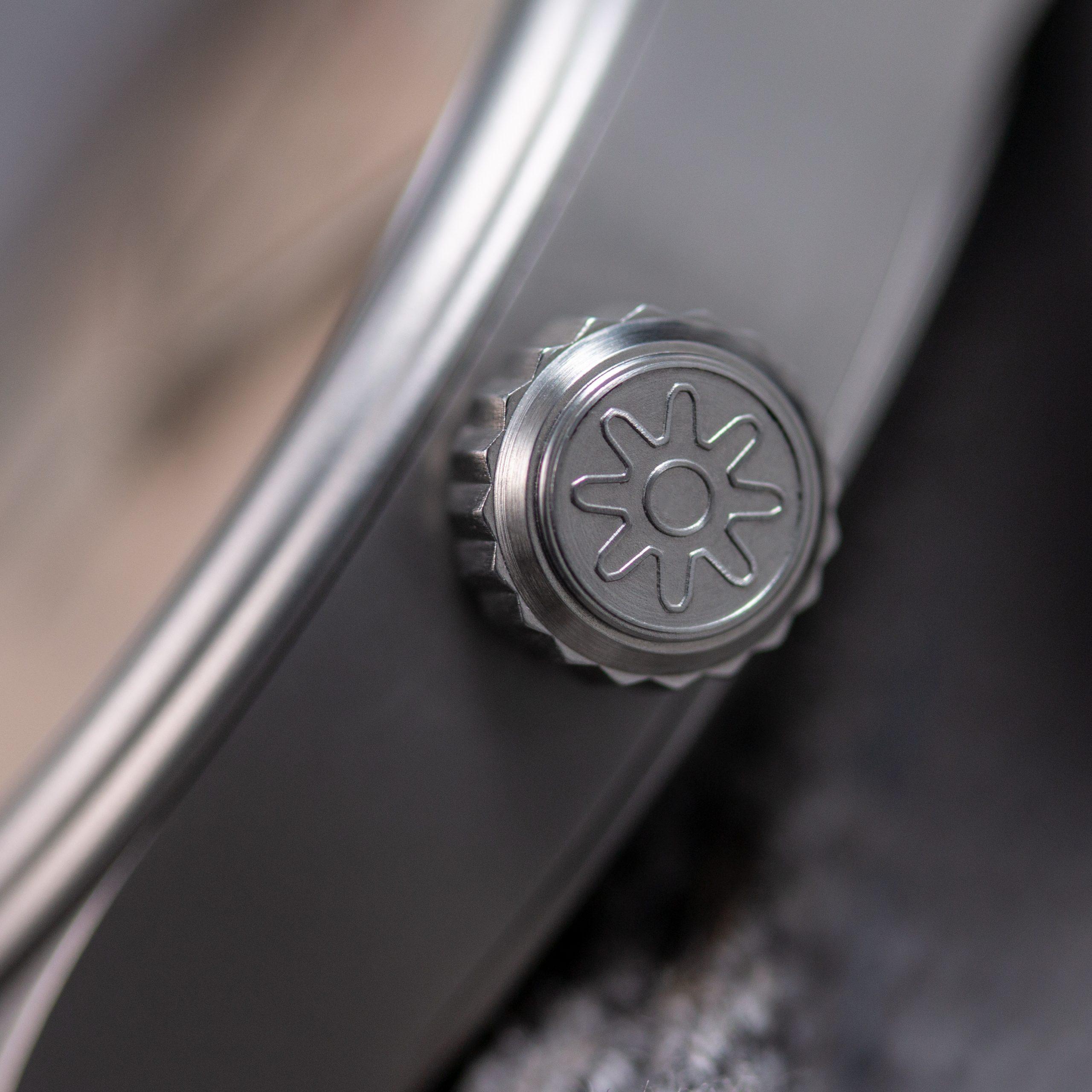 Pinion-Atom-39-no-date-watch-pale-slate-012-m