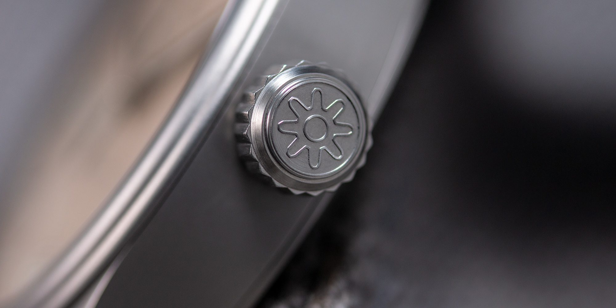 Pinion-Atom-39-no-date-watch-pale-slate-012